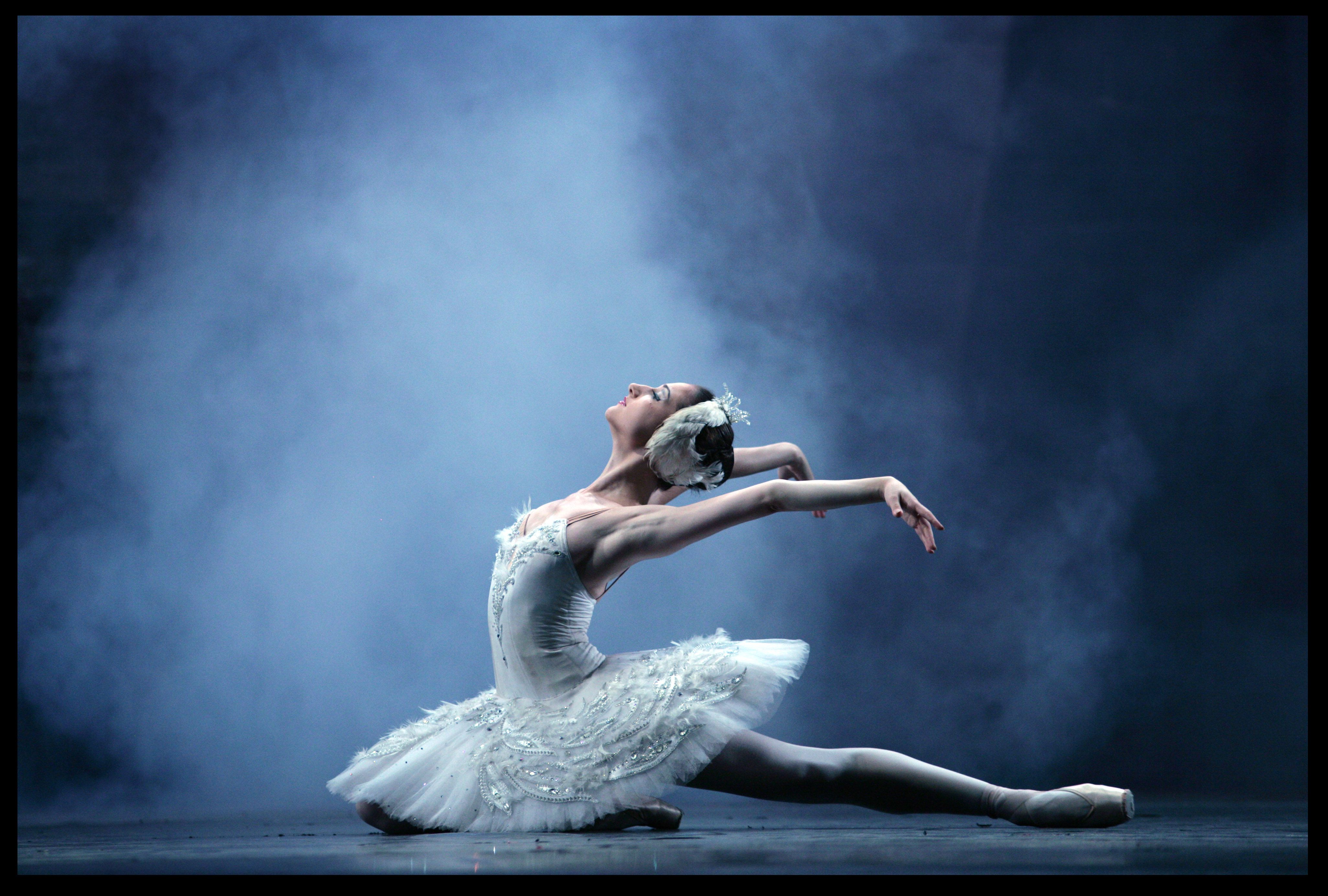 Moscow City Ballet perform Swan Lake at Theatre Royal, Bath- Theatre Bath
