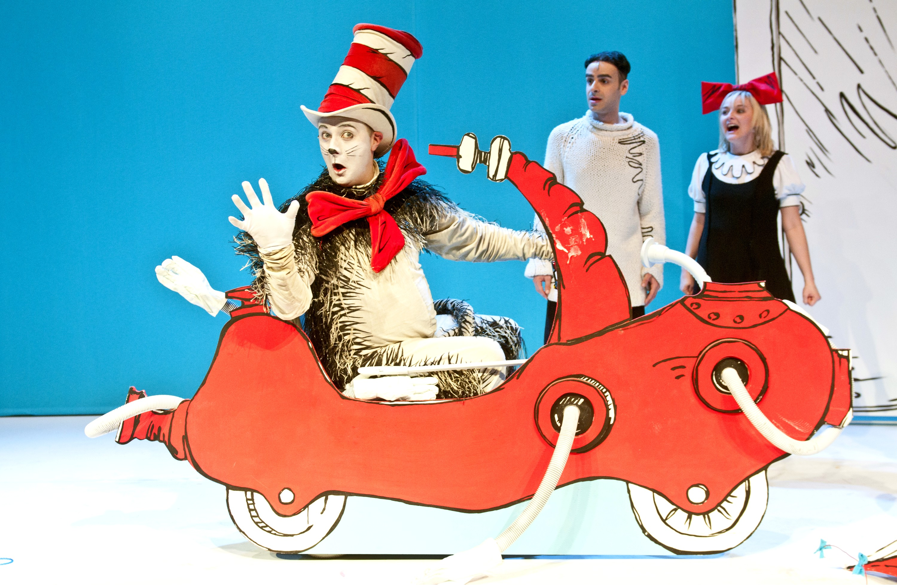 The Cat in the Hat. Photo Credit Garry Lake- egg theatre- theatre bath