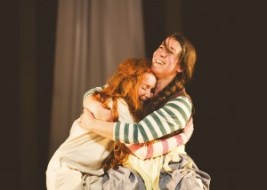 Hetty Feather - Phoebe Thomas as Hetty and Sarah Goddard as Peg - Theatre Royal Bath - Theatre Bath